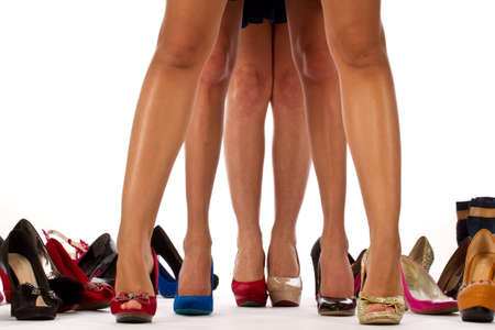 Piernas femeninas con zapatos, zapatos shooping photo