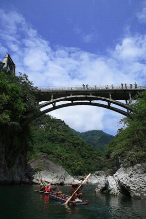 Dong-He Old Bridge Editorial