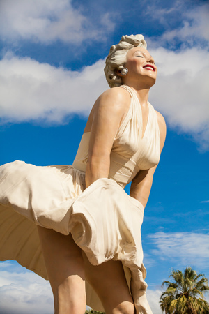 Marilyn Monroe statue Redakční