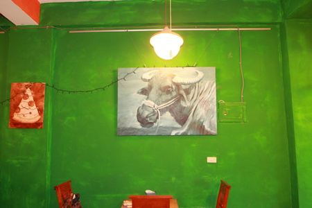 wall painting at pizza shop