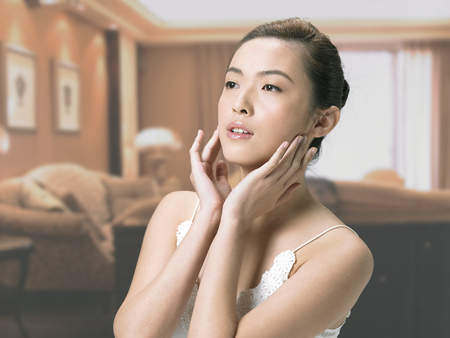 Beauty Skin Care LANG_EVOIMAGES