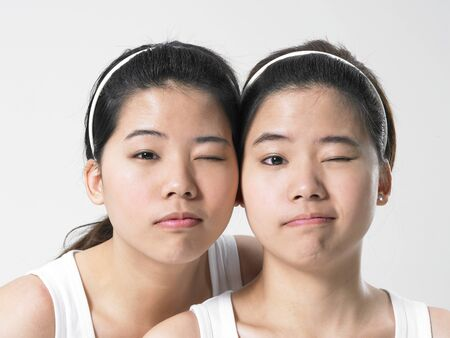alice band: Twins