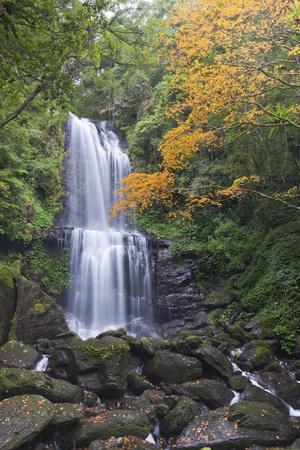Yunsen Waterfall LANG_EVOIMAGES