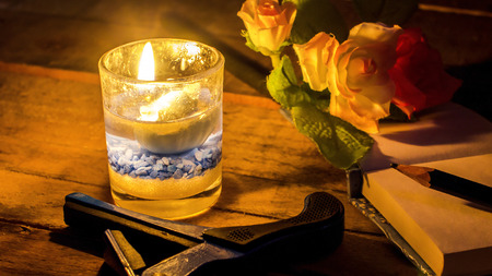 candlelit: Classic flower and candlelit relax.
