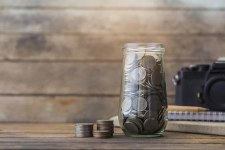 お金を節約の概念。お金タイ。