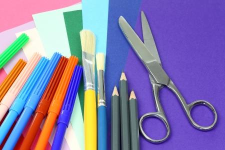 creative tools: colorati strumenti creativi e di carta per il lavoro creativo