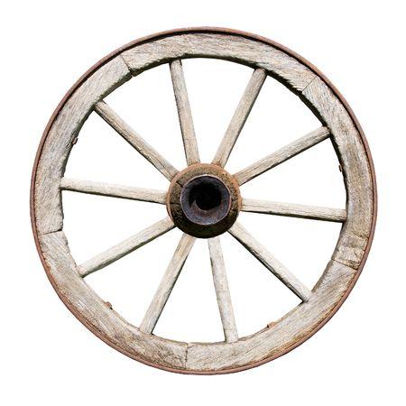 carreta madera: Antiguo tradicional Wodden rueda aislada sobre fondo blanco  Foto de archivo