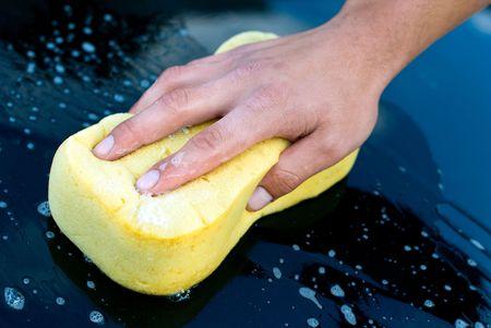 lavado: Wash de mano de coche con esponja amarilla y Soap, camarero de Car