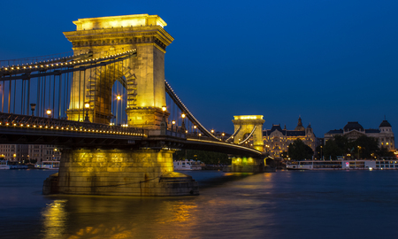 the chain bridge: Old Chain Bridge, sweeping across the River Danube at twilight, Budapest, Hungary, Europe