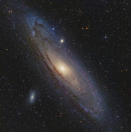 Galaxia de Andrómeda en Andromeda tomada con la cámara CCD a través del telescopio distancia focal media