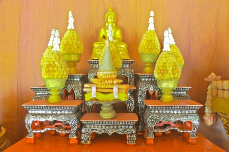 deification: Arrangement of offerings in Buddhism