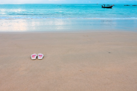 Relax with fresh breeze in the morning at Andaman sea,Thailand Stock Photo - 14850015