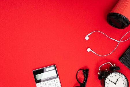 creative minimalism coffee cup on empty table space Zdjęcie Seryjne