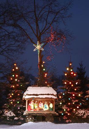 nacimiento bebe: Noche de disparo de una escena de Natividad, arco de Reyes Magos, Reyes Magos