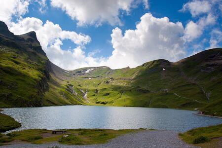 Widok fom pierwszy górskich w Szwajcarii