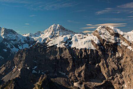 Widok z góry Schilthorn w Szwajcarii