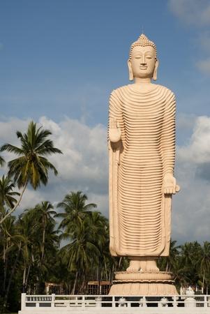 Buddha Gedenkst�tte f�r die Tsunami-Opfer Geschenk aus Japan, Hikkaduwa, Sri Lanka Lizenzfreie Bilder