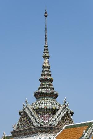 Dach Detail von Wat Phra Keo - Tempel des Smaragd-Buddha, der als der heiligsten buddhistischen Tempel Wat in Thailand angesehen wird, Lizenzfreie Bilder