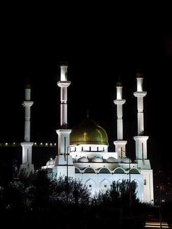 Nur Astana-Moschee in der Stadt Astana, der Hauptstadt von Kasachstan. Es ist die gr��te Moschee von Kasachstan und die gr��te Moschee in Zentralasien.