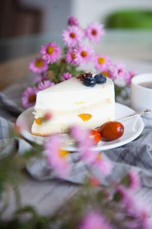 souffle cake with blackberries