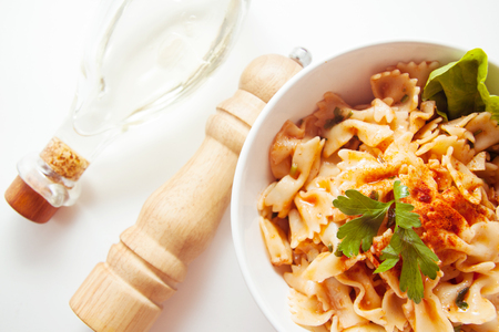 produits alimentaires: italian homemade noodles farfalle stuffed with vegetables
