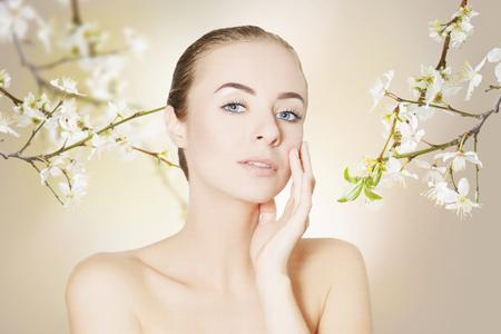 dorloter corps et le visage soins de la peau notion portrait Banque d'images