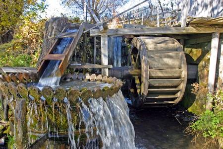 molino de agua: Un antiguo molino de agua en Transilvania