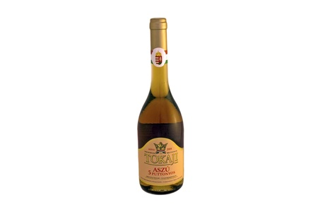 A bottle of 5 puttonyos Tokaji aszú wine 에디토리얼