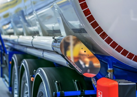Tank, Cistern for transportation of combustible materials of oil and gasoline. Stockfoto