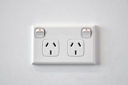 toma corriente: Una pared blanca de Australia toma de corriente