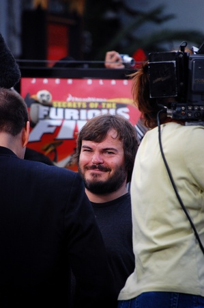"HOLLYWOOD - 9 novembre 2008: Jack Black arriva a DreamWorks Animation ""Kung Fu Panda"" e ""Secrets of the Furious Five"" release party DVD al Teatro cinese il 9 novembre 2008 a Los Angeles, California."