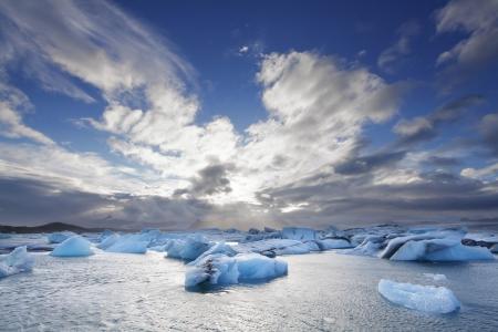 calentamiento global: Icebergs fusión en la laguna de Jokulsarlon, Islandia