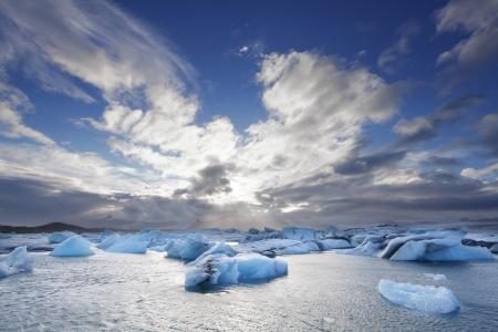 calentamiento global: Icebergs fusi�n en la laguna de Jokulsarlon, Islandia
