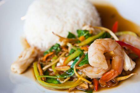 comida gourment: Kikkoman picante de mariscos con arroz, comida tailandesa  Foto de archivo