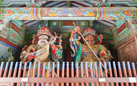 Guardian Demons at the Gates of Buddhist Sinheungsa Temple in Seoraksan National Park, South korea Stock Photo - 11309805