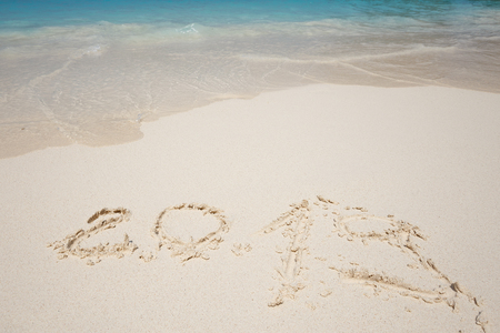 Happy New Year 2019, lettering on the beach. Standard-Bild - 110787206