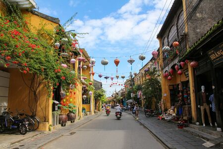 A trip from north to south Vietnam in 3 Weeks.