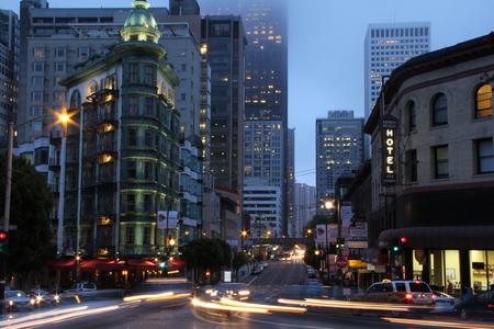 San Francisco at night Editöryel