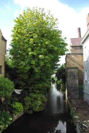 Rivière de la ruelle de Bruges Banque d'images - 5437098