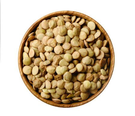 Bowl of green lentil isolated on white background 版權商用圖片 - 133782479