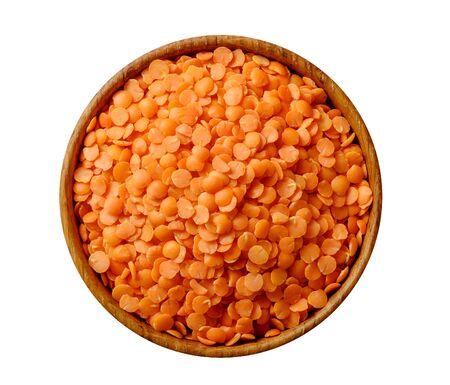 Red split lentil in wooden bowl isolated on white background 版權商用圖片