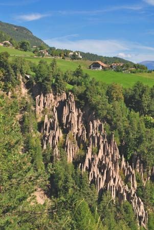 die berühmten Lehm Pyramiden am Ritten Mountain oder Ritten, Südtirol, Italien Lizenzfreie Bilder