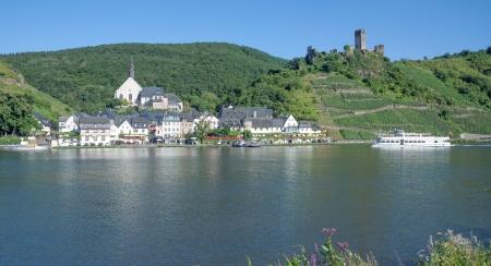 das idyllische berühmten Dorf Beilstein an der Mosel River, Deutschland Lizenzfreie Bilder