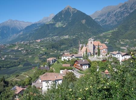 Blick von Schenna nach Dorf Tirol bei Meran, Südtirol, Italien