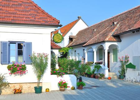 Weindorf von Mörbisch im Burgenland am Neusiedler See, Österreich