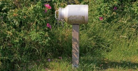 Post Box on Eiderstedt Peninsula at North Sea in North Frisia,Schleswig-Holstein,Germany Standard-Bild