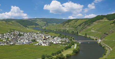 Wine Village of Trittenheim at Mosel River in Mosel Valley,Rhineland-Palatinate,Germany Standard-Bild
