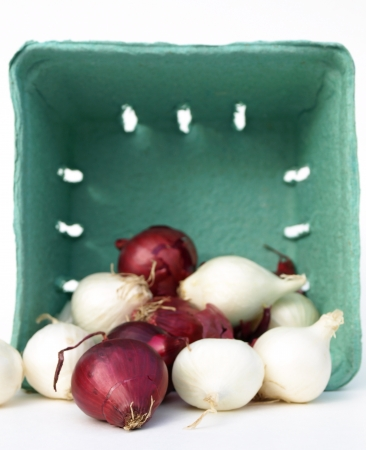 Mixed onions in basket