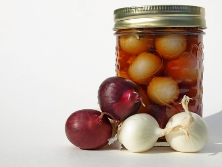 Onions and a jar Banque d'images