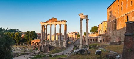 palatine: Panoramic of the ancient ruins of the Roman Forum (6BC). Rome, Italy.